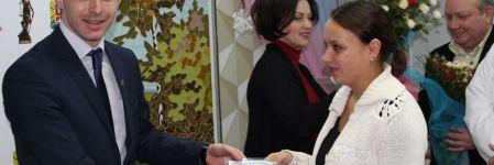На Житомирщині 62 сім'ї отримали свідоцтва про народження дітей прямо у пологовому (ФОТОРЕПОРТАЖ)