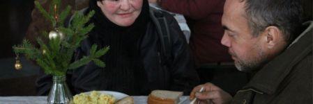 У Житомирі відбувся різдвяний обід для безхатченків (ФОТОРЕПОРТАЖ)