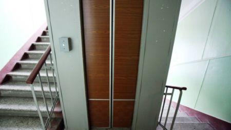 Житомиряни зможуть самі обрати: платити за користування ліфтом ЖЕКам, чи далі користуватися ліфтовими картками