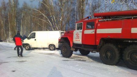У суботу на Житомирщині рятувальники 4 рази вилучали автомобілі зі снігу