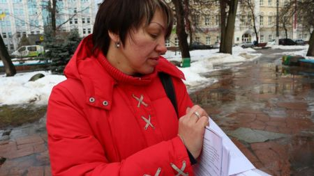 """У підробці документів та нецільовому використанні коштів звинувачують екс-голову ОСББ """"Малікова-16""""(ВІДЕО)"""
