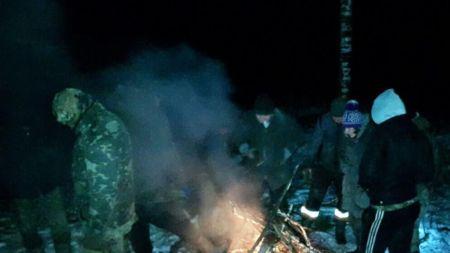 На півночі Житомирщини СБУ накрила угрупування бурштинокопачів. Серед них є старателі з Рівненщини