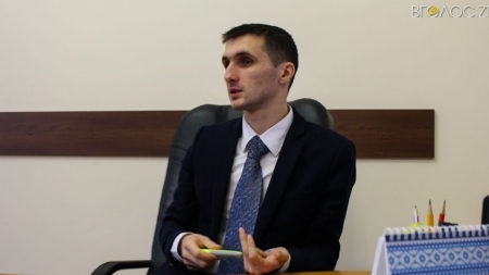 Наймолодший заступник Сухомилина задекларував зарплату у півмільйона
