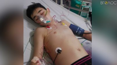 14-річний Юра Коханчук починає відновлюватися після інсульту, все ще чекаючи на «нове» серце