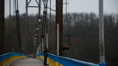 У парку Гагаріна не буде загороджувальних сіток, які б «заважали» самогубцям стрибати з мосту