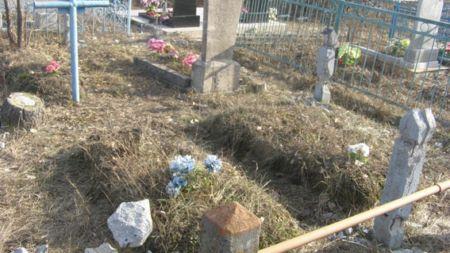 52-річний безробітний понівечив сім могил на сільському кладовищі