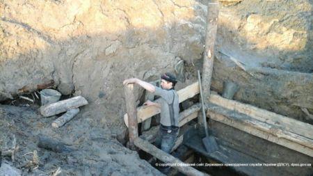 На Олевщині прикордонники затримали бурштинокопачів