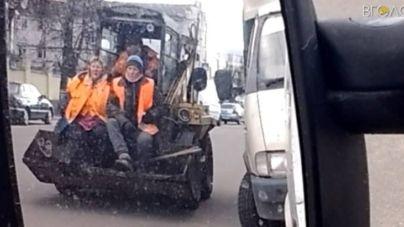 За проїзд у тракторних ковшах мої працівники були б покарані фінансово, – директор КП «Експлуатація штучних споруд»