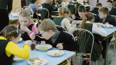 На харчування житомирських школярів роздали 26 мільйонів, – ЗМІ