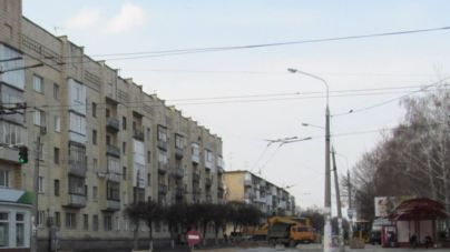 Тролейбуси № 6 і № 10 будуть курсувати через вулицю Київську ще два тижні