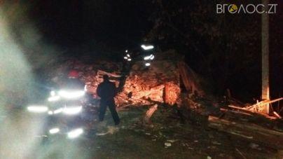 У Новограді-Волинському рухнув двоповерховий будинок. Під уламками знайшли тіло чоловіка