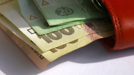 На Житомирщині середня зарплата майже у два рази перевищує прожитковий мінімум