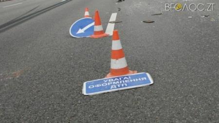 У Чуднівському районі перекинувся автомобіль. Один пасажир загинув, ще один- у реанімації