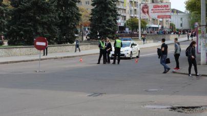 У Житомирі перекрили рух по майдану Соборному (ФОТО)