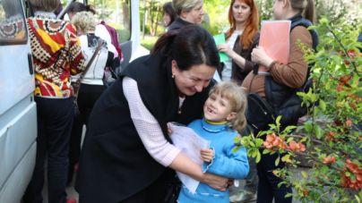 Напередодні Великодня переселенці отримали допомогу від Любові Цимбалюк