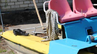 У мерії вирішили не купувати нові човни та катамарани. Пофарбували старі (ФОТО)
