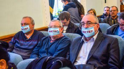 На сесії активісти і депутати підтримали Шустера