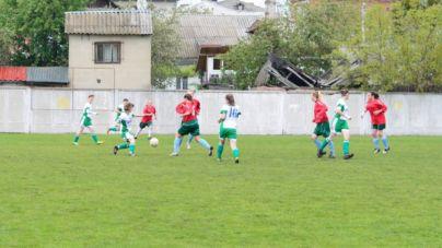 На Спартаку дівчата показали запеклий жіночий футбол (ФОТО)