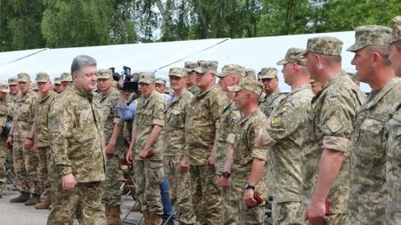 Президент Порошенко відвідав полігон під Житомиром (ФОТО)