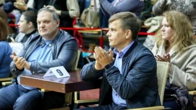 Сухомлин більше не очолює партію Порошенка в області