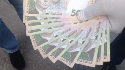 Поліцейський «оцінив» волю крадію у 10 тисяч гривень