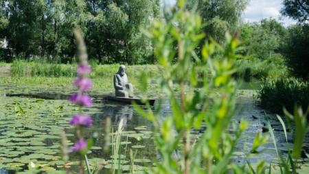 На Житомирщині знаходиться унікальний пам'ятник людині на воді (ФОТО)