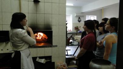 Як школярі у Хорошеві готували поліські страви за рецептами бабусь (ФОТО)