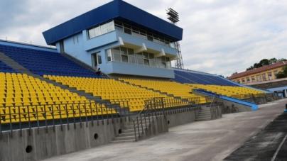 На стадіоні «Полісся» відновлять трибуни, манеж і поле (ФОТО)