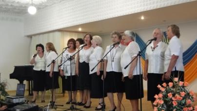Жінки вийшли на пенсію, а потрапили на сцену