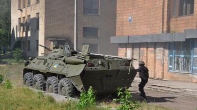 Житомирський технологічний університет «захопили» терористи (ФОТО)