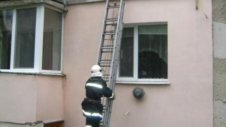 У Баранівці 100-річна жінка опинилася у квартирному полоні