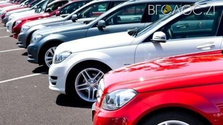Для чиновників мерії встановлять ліміт суми на придбання авто, комп'ютерів та меблів