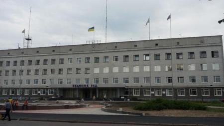 Мер Новограда і перший заступник теж пішли на лікарняний