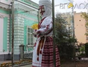 Махінації з Домом української культури повісять на цапа-відбувайла, – політолог