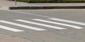 На пішохідних переходах у Малині встановлять фігурки дівчаток-школярок