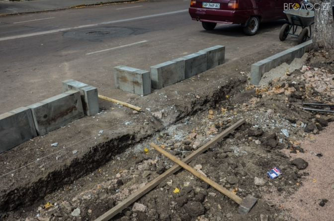 Депутати виділили кошти на продовження реконструкції тротуарів у центрі Житомира