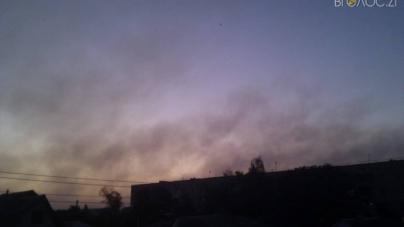 У Новограді вже тиждень горить полігон