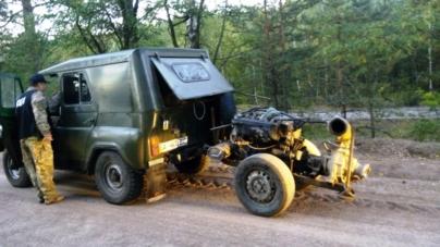 «Москвич», УАЗ, ВАЗ, мікроавтобус, трактор і три мотопомпи вилучили у групи старателів