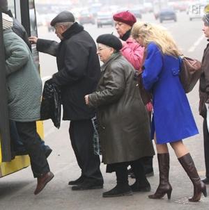 Пенсіонери, які мають «Картку житомирянина» їздитимуть безкоштовно у тролейбусах та трамваях