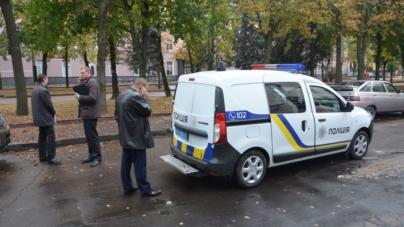 Працівники Нацполіції потрапили у ДТП прямо біля головного управління (ФОТО)
