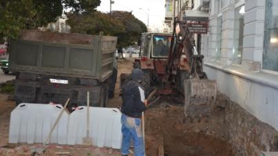 Біля стародавнього підземелля підприємець почав копати вхід у власне кафе (ФОТО)