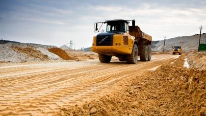 Комунальники придбають пісок у почесного громадянина Житомира