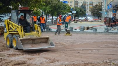 Сухомлин визнав, що львівська фірма, яка ремонтує тротуари, порушила умови тендеру