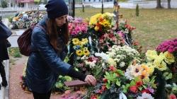 У Житомирі придбають понад 3 тисячі вінків та кошиків для поховання