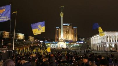 Людей мало, бо чистять зброю в погребах, – житомиряни про київський майдан