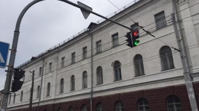 На перехресті Театральна-Бердичівська знову не працює світлофор