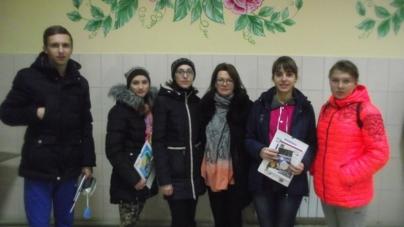 У Новограді-Волинському учні та вчителі грали у квест