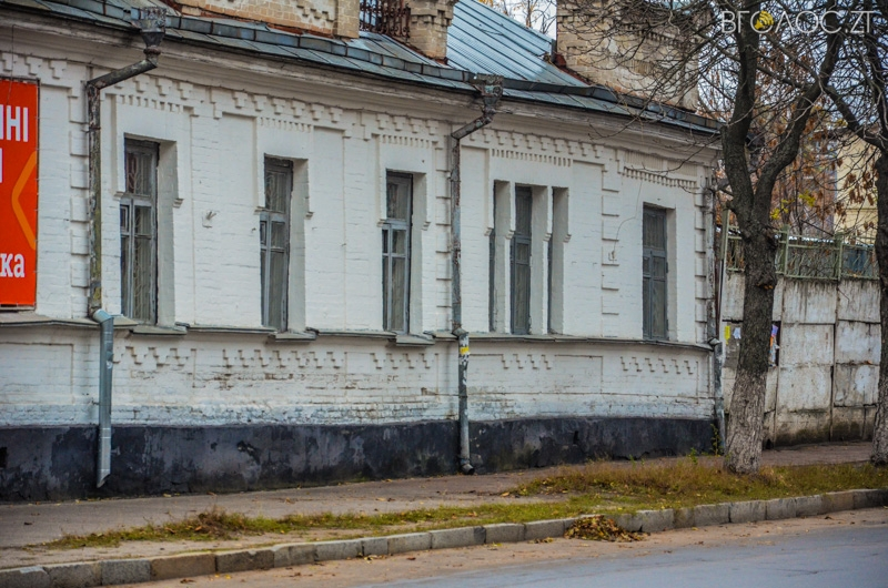 vulytsya-dombrovskogo-4-yz-85