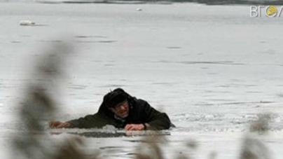 У Мирополі рятувальники та військовослужбовці витягли з води рибалку