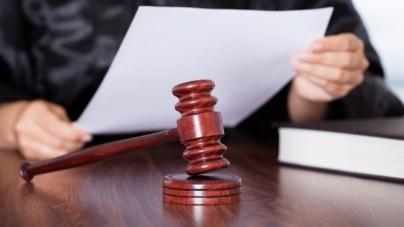 За крадіжку з розбоєм 24-річного чоловіка засудили до 4 років позбавлення волі